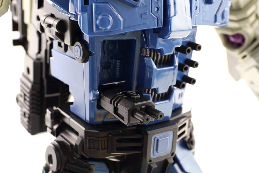 [Mastermind Creations] Produit Tiers - R-17 Carnifex - aka Overlord (TF Masterforce) - Page 3 Gu7UKSeN