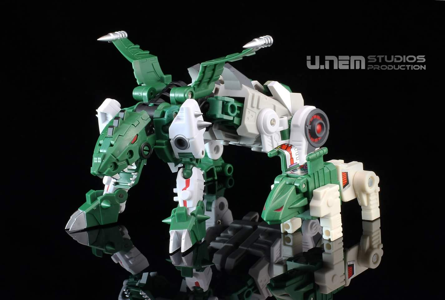 [FansProject] Produit Tiers - Jouet Saurus Ryu-oh aka Dinoking (Victory) | Monstructor (USA) - Page 2 HAyXEJg8