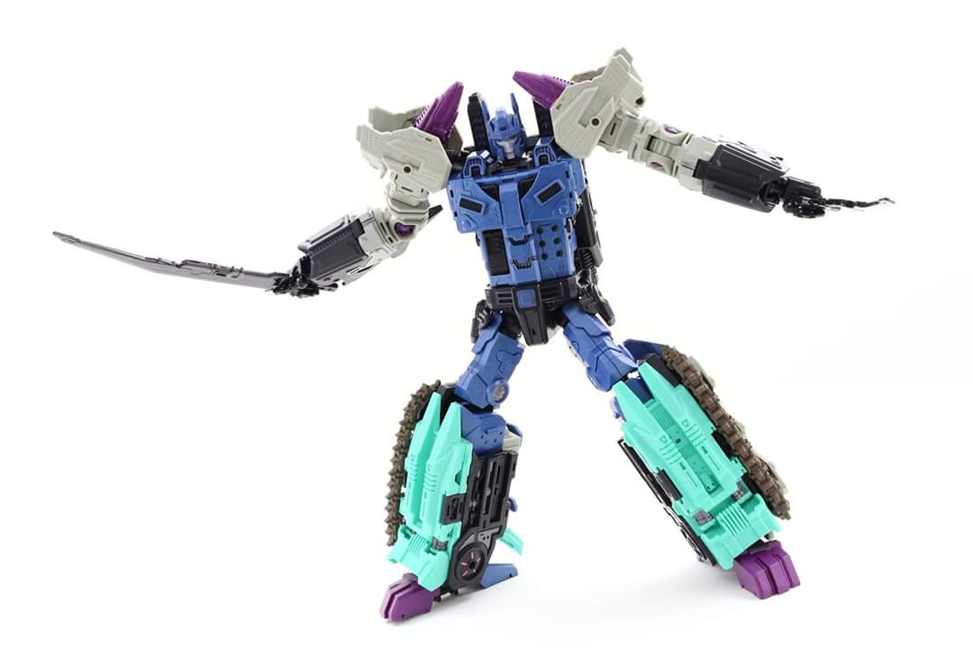 [Mastermind Creations] Produit Tiers - R-17 Carnifex - aka Overlord (TF Masterforce) - Page 3 Hy1mwDo2