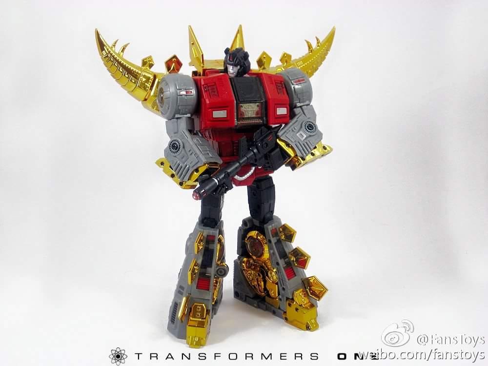 [Fanstoys] Produit Tiers - Dinobots - FT-04 Scoria, FT-05 Soar, FT-06 Sever, FT-07 Stomp, FT-08 Grinder - Page 5 LcNK75r4