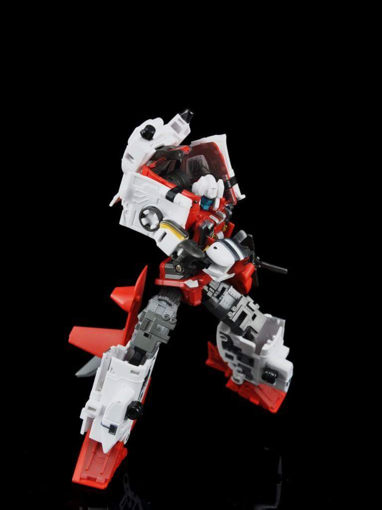[MakeToys] Produit Tiers - Jouet MTCM-04 Guardia (aka Protectobots - Defensor/Defenso) - Page 2 Lox9foZr