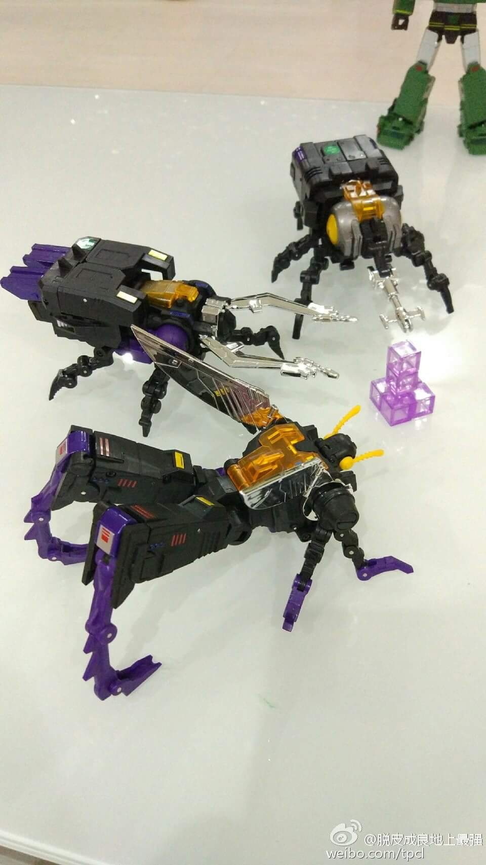 [Fanstoys] Produit Tiers - Jouet FT-12 Grenadier / FT-13 Mercenary / FT-14 Forager - aka Insecticons - Page 4 N6TzersN