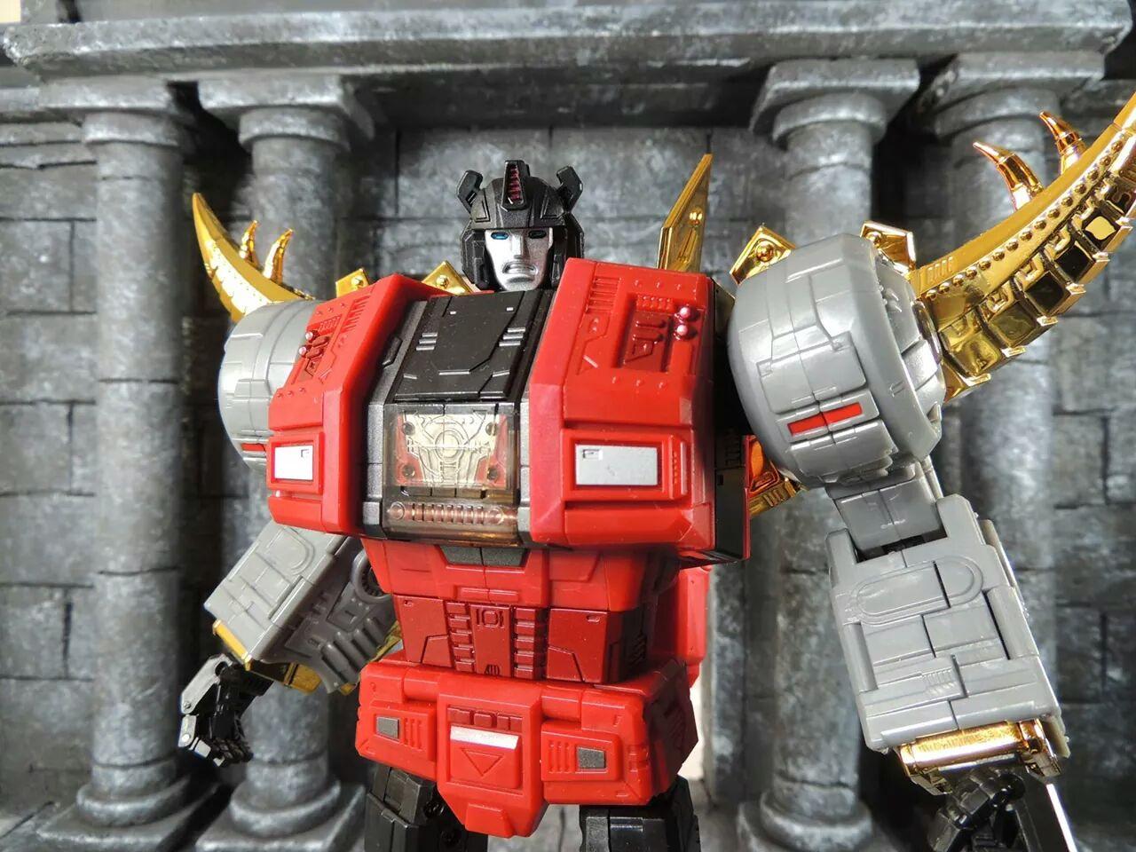 [Fanstoys] Produit Tiers - Dinobots - FT-04 Scoria, FT-05 Soar, FT-06 Sever, FT-07 Stomp, FT-08 Grinder - Page 4 NjDkSf7V