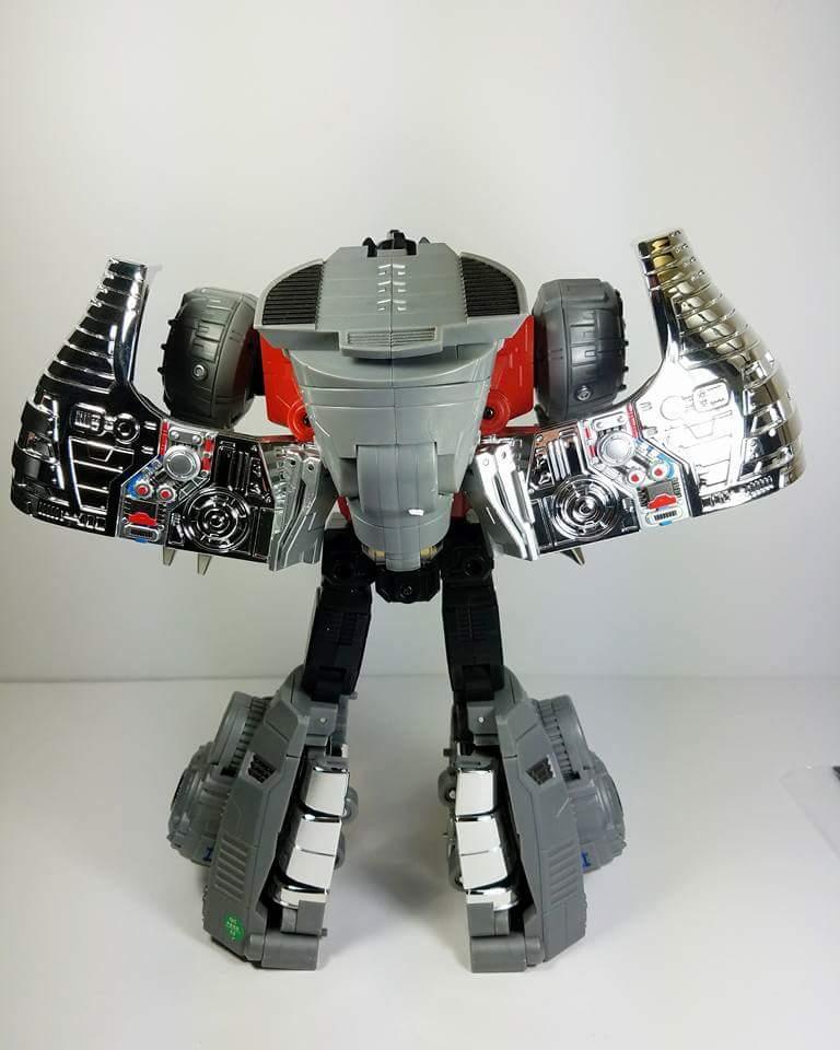 [Fanstoys] Produit Tiers - Dinobots - FT-04 Scoria, FT-05 Soar, FT-06 Sever, FT-07 Stomp, FT-08 Grinder - Page 9 Nu7BlT86
