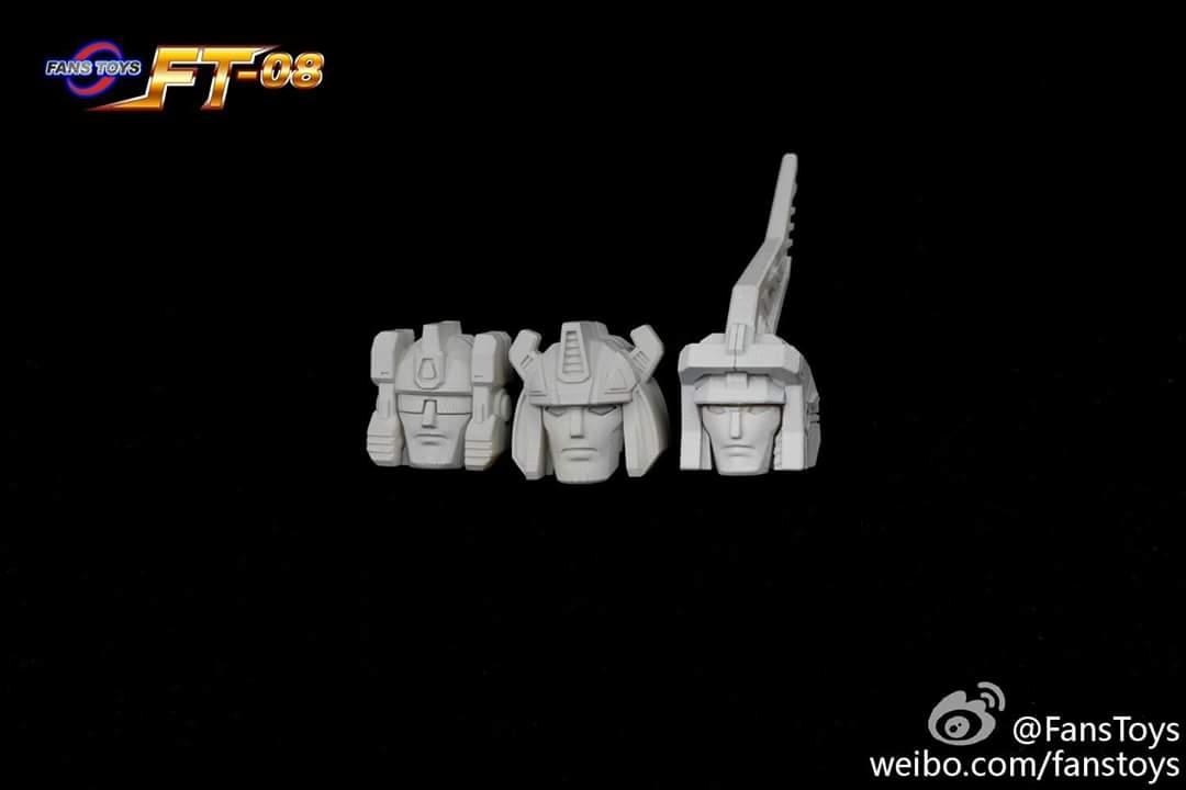 [Fanstoys] Produit Tiers - Dinobots - FT-04 Scoria, FT-05 Soar, FT-06 Sever, FT-07 Stomp, FT-08 Grinder - Page 9 QDWi2M09