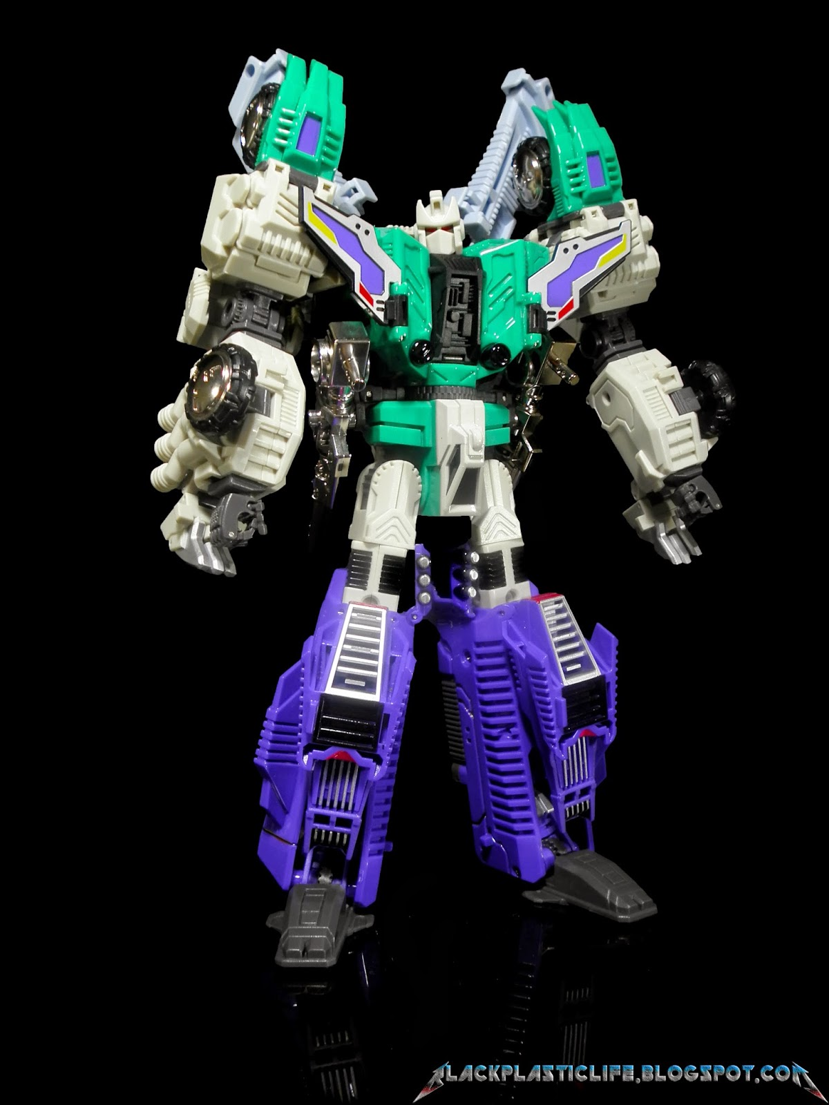 [Masterpiece Tiers] MMC R-01C CONTINUUM HEXATRON aka SIXSHOT - Sortie Nov. 2014 QeWXmsg7