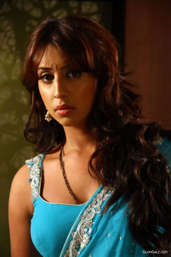 Tollywood Actress Sanjjanaa Photo Gallery QzCK50Aa