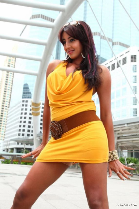 Tollywood Actress Sanjjanaa Photo Gallery R6fT8K7Z