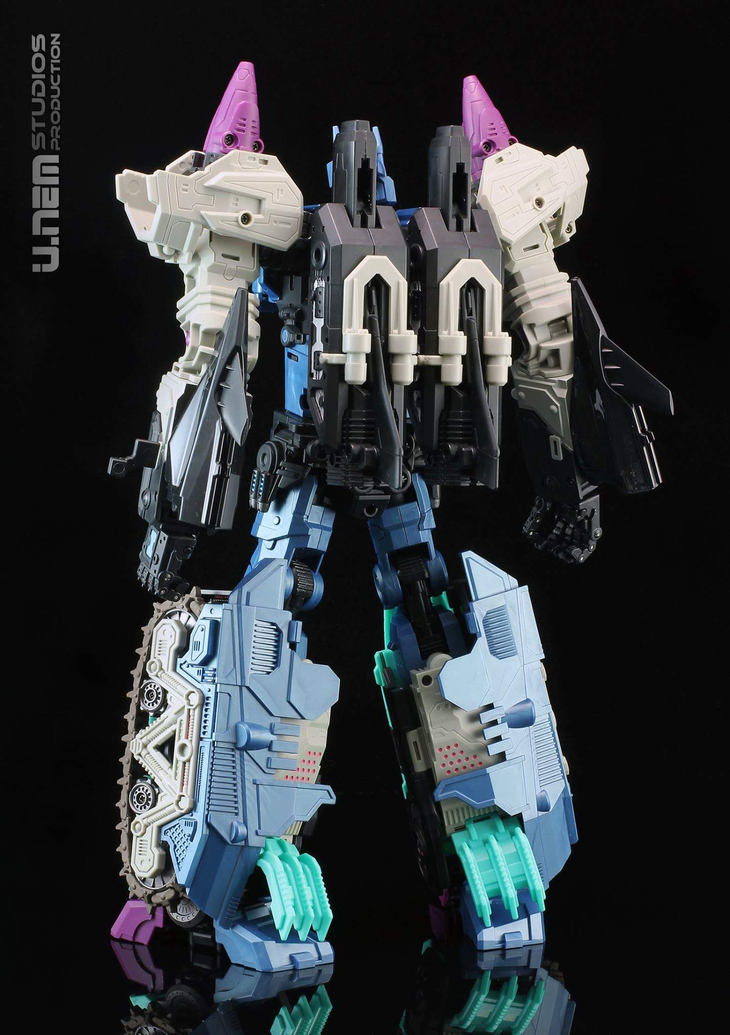 [Mastermind Creations] Produit Tiers - R-17 Carnifex - aka Overlord (TF Masterforce) - Page 2 SEr0Tu7e