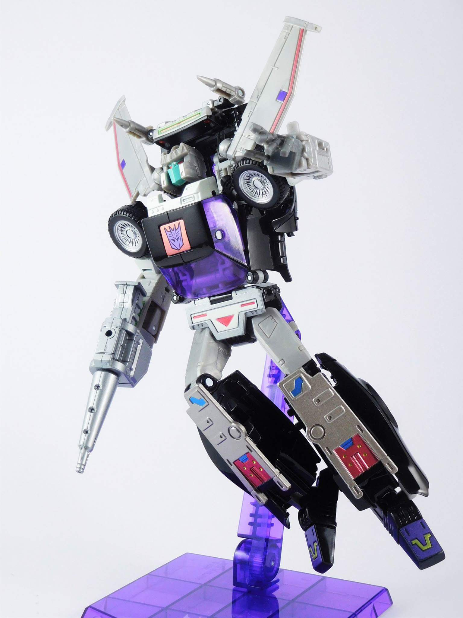[Masterpiece] MP-25L LoudPedal (Noir) + MP-26 Road Rage (Rouge) ― aka Tracks/Le Sillage Diaclone - Page 3 SRlT5EOg