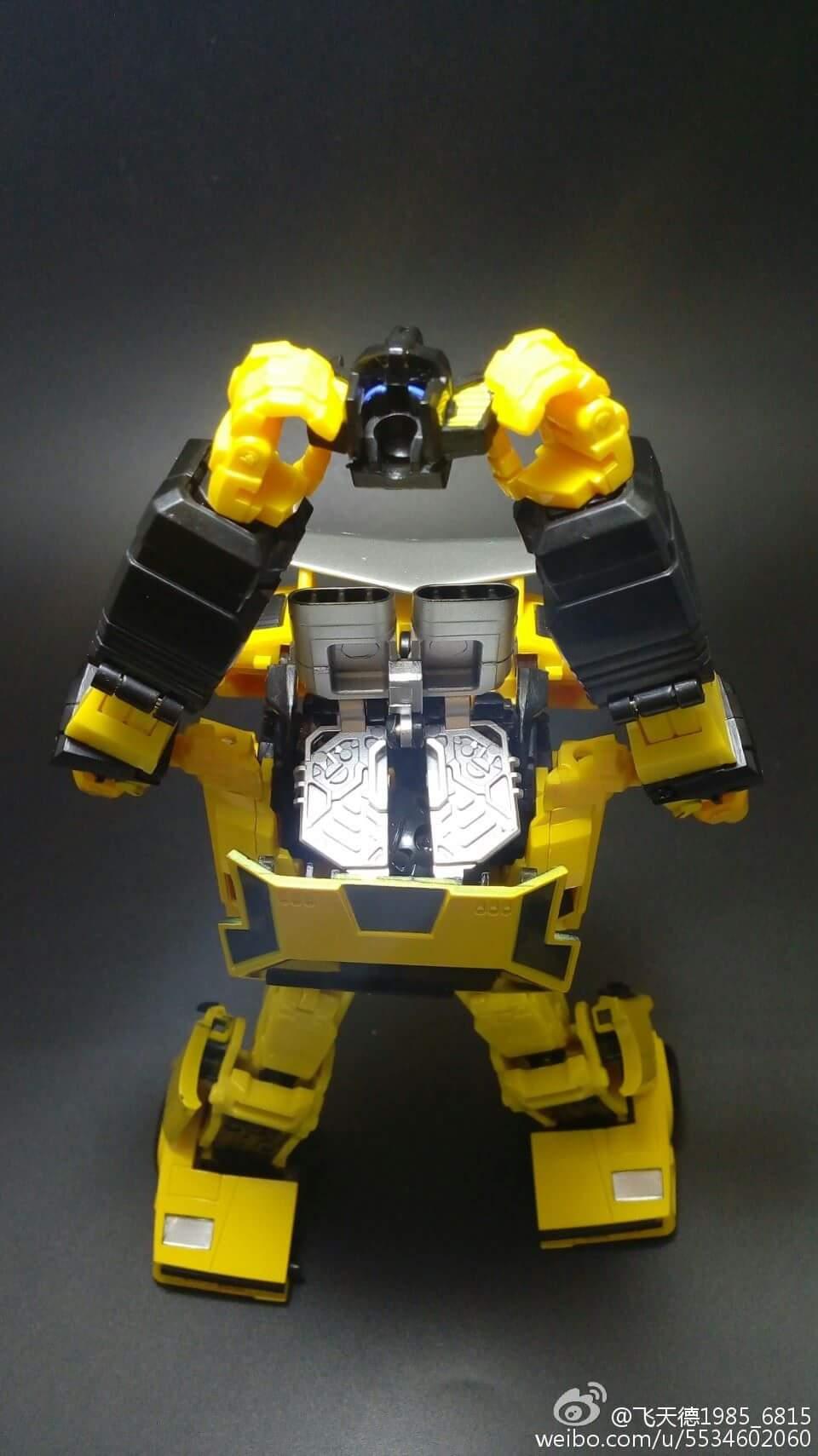 [Omnigonix] Produit Tiers - Jouet V-01 Spinout - aka Sunstreaker/Solo - Page 3 Tg78ZL2k