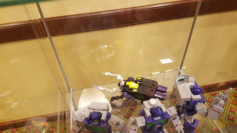 [Fanstoys] Produit Tiers - Jouet FT-12 Grenadier / FT-13 Mercenary / FT-14 Forager - aka Insecticons - Page 2 U5EMt0CR