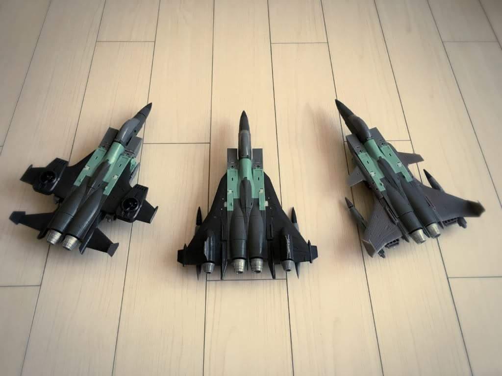 [ToyWorld] Produit Tiers - TW-M02A Combustor (Ramjet/Statoréacto), TW-M02B Assault (Thrust/Fatalo), TW-M02C Requiem (Dirge/Funébro) V1AAAY8K