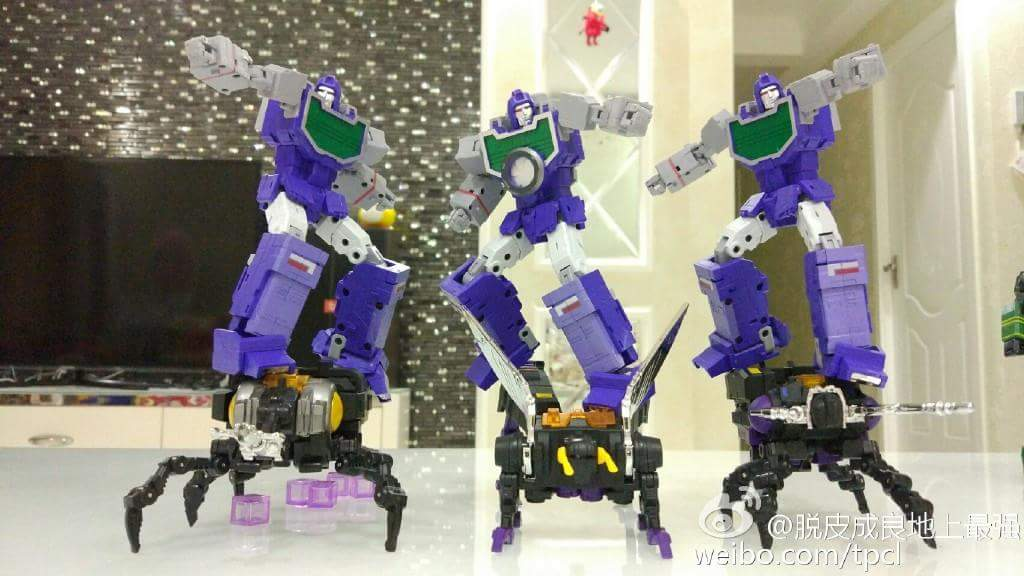 [Fanstoys] Produit Tiers - Jouet FT-12 Grenadier / FT-13 Mercenary / FT-14 Forager - aka Insecticons - Page 4 WnAMl1Cm