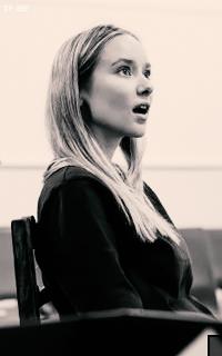 Alexandra Dowling XFAmjx6f