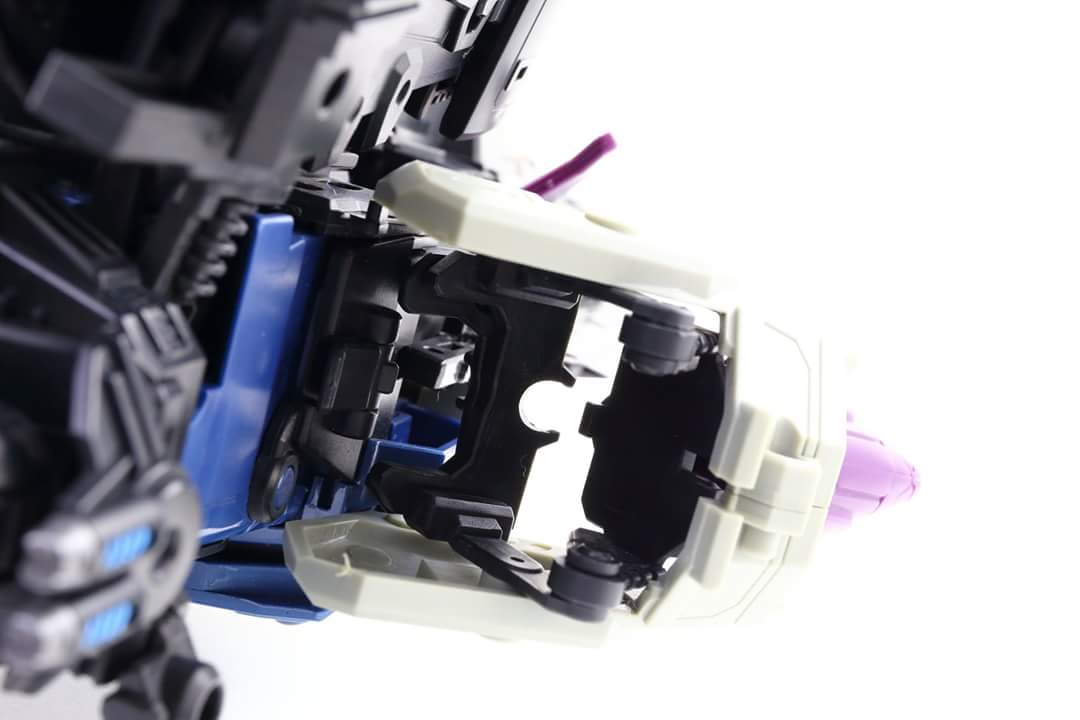 [Mastermind Creations] Produit Tiers - R-17 Carnifex - aka Overlord (TF Masterforce) - Page 3 Zk3IQisa