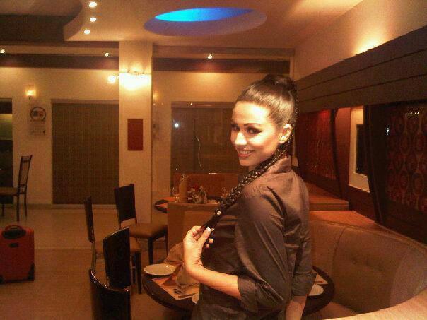 Ayyan - top model of Pakistan - Page 2 Abc9YIZo