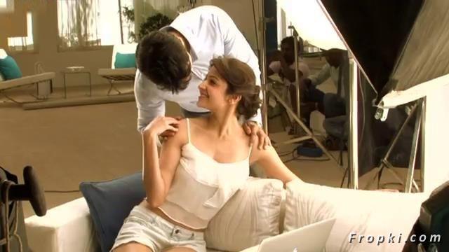Anushka Sharma's sensuous Nivea Ad stills AbcxRMak
