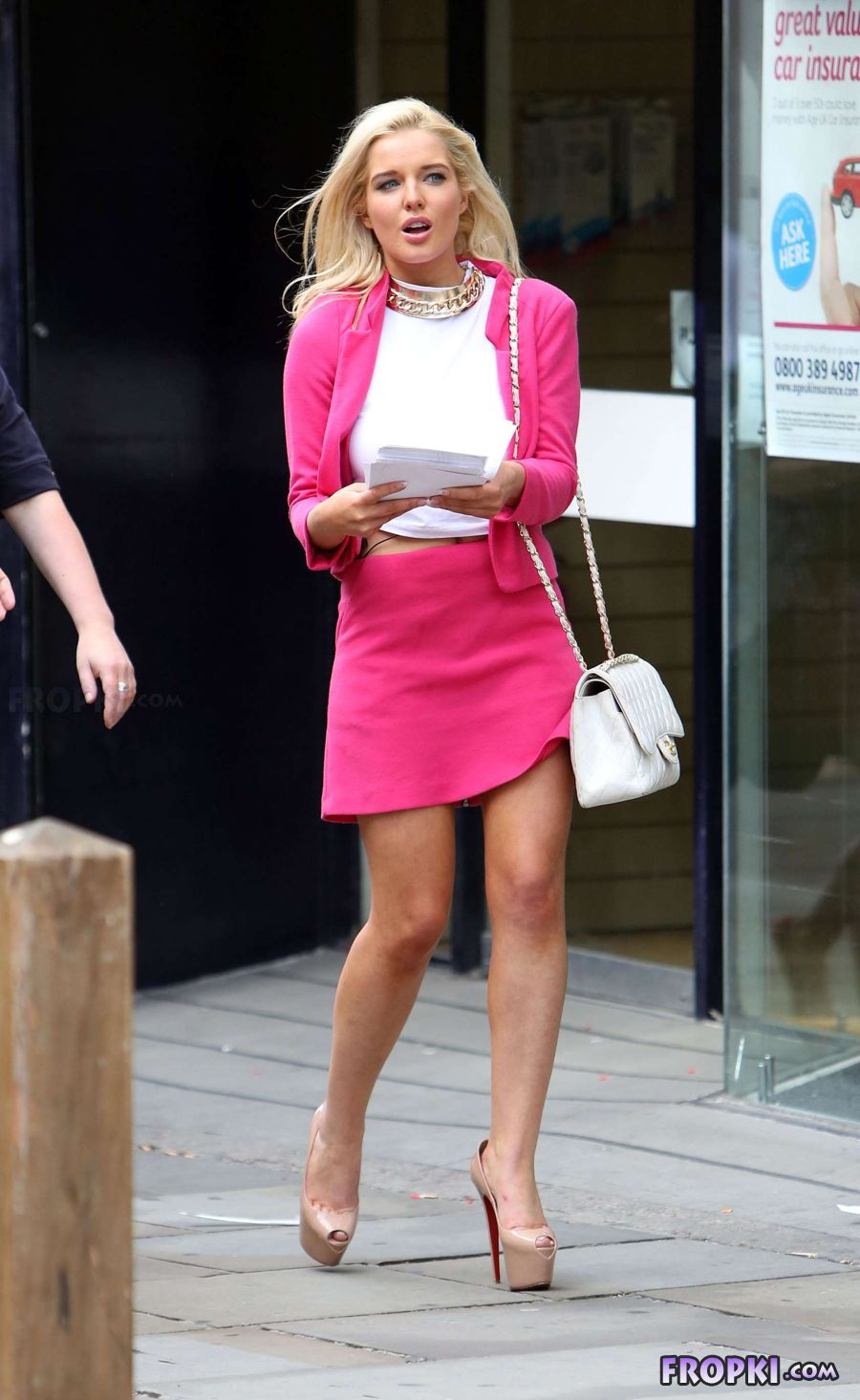 Helen Flanagan in suit on set of Celebrity Superspa AbfKRGG9