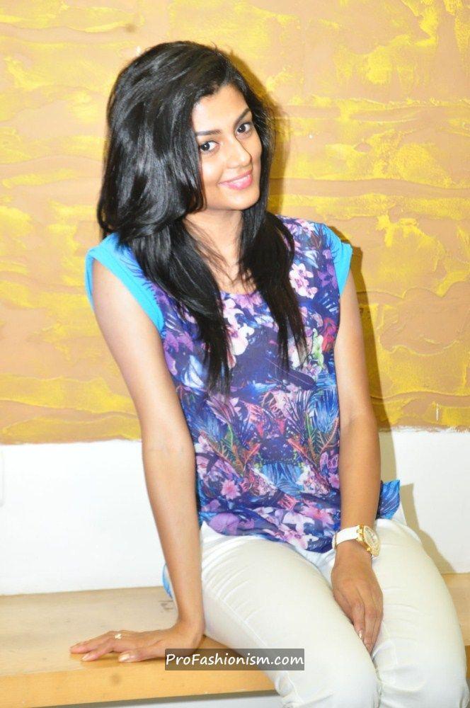 Anisha Ambrose Stills from Areyrey Press meet - Page 2 AbfNiA3a