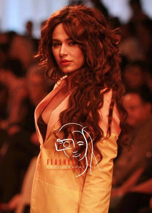 Ayyan - top model of Pakistan - Page 2 AbiRVmAR