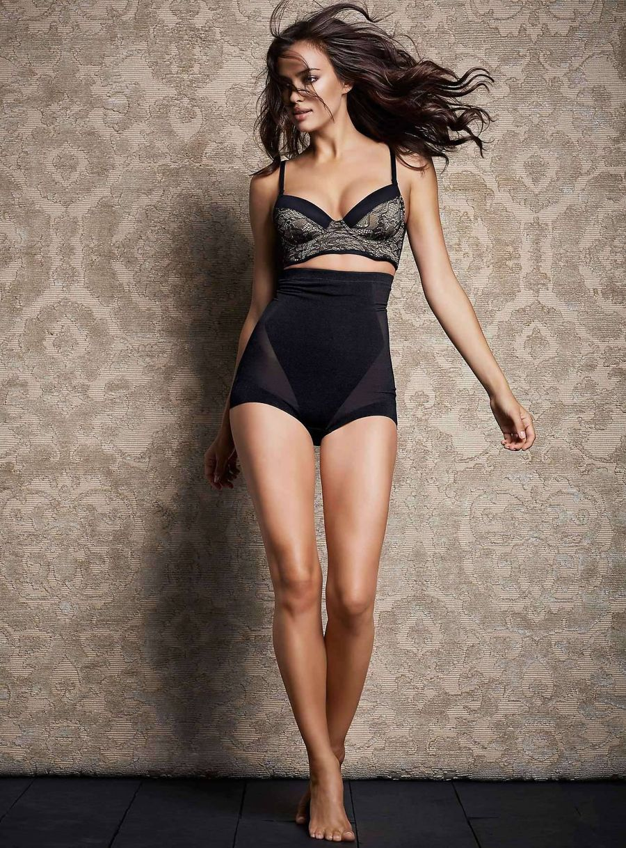 Irina Shayk - Simons Lingerie Photoshoot Abil7epE