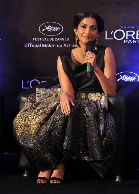 Sonam Kapoor Launch L'Oreal Paris Sunset Cannes Collection Abiy8h83