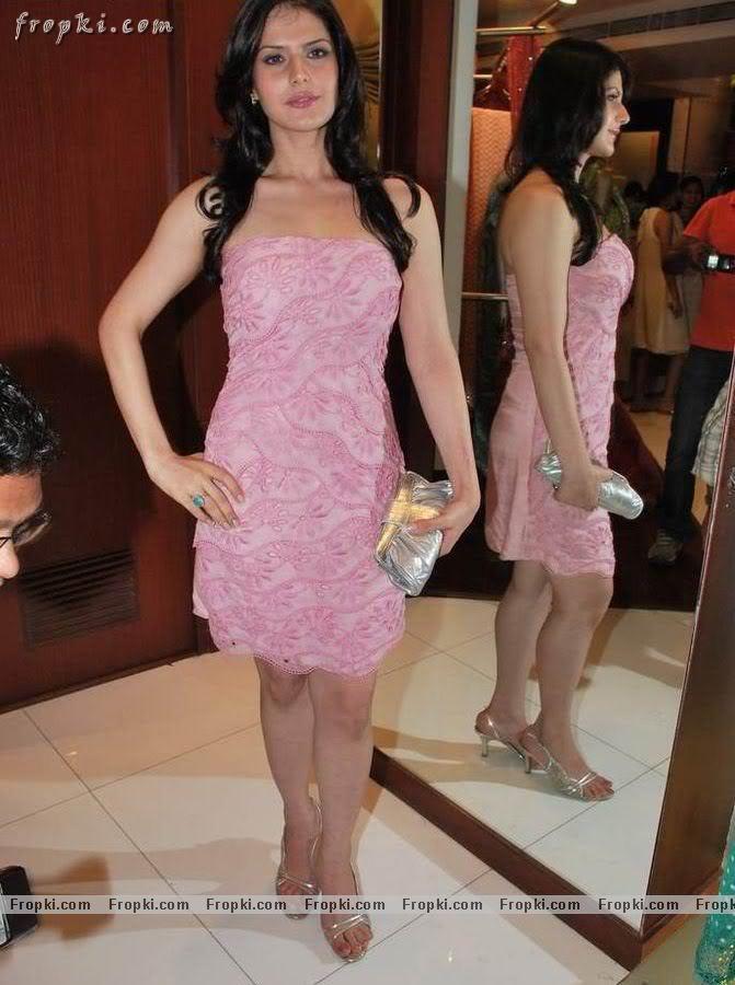 Zarine Khan - Hot Angel in pink Abk5KqkD