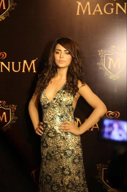 Ayyan - top model of Pakistan - Page 5 AbkKCfp2