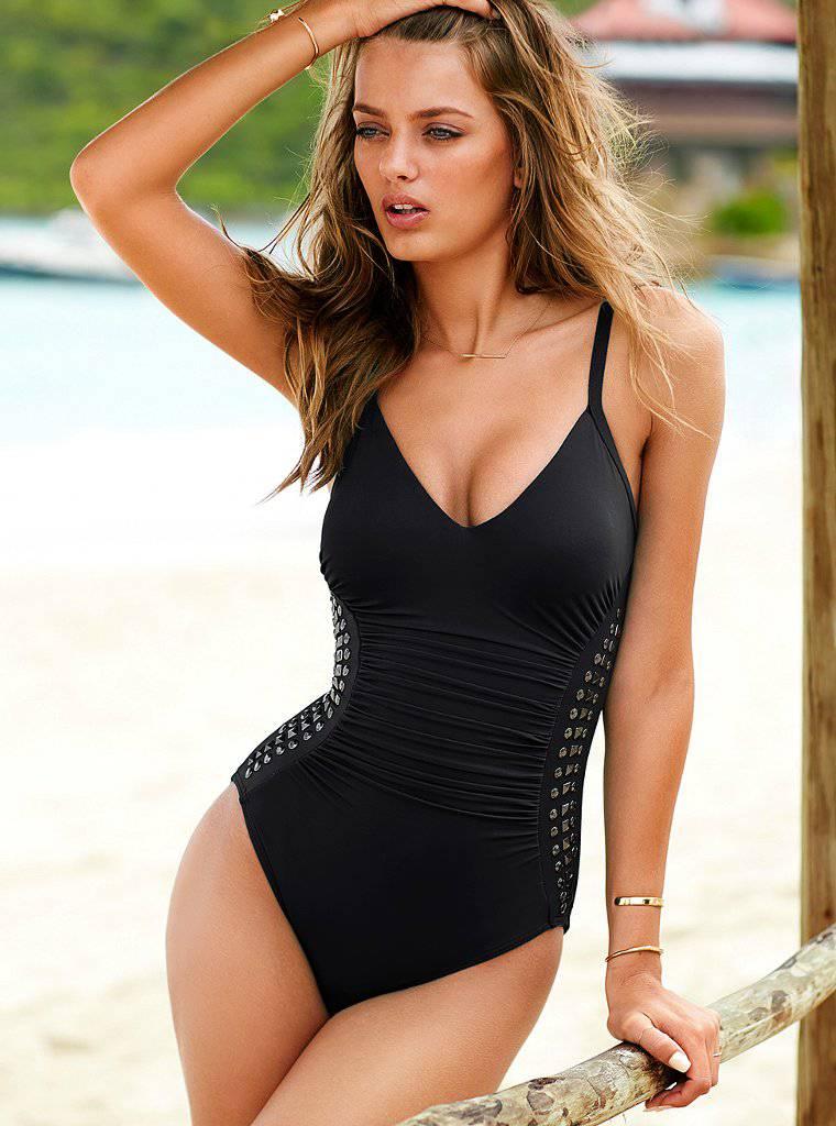 Bregje Heinen - Victoria's Secret Bikini (Sep, 2013) - Page 2 AbmDyo1O