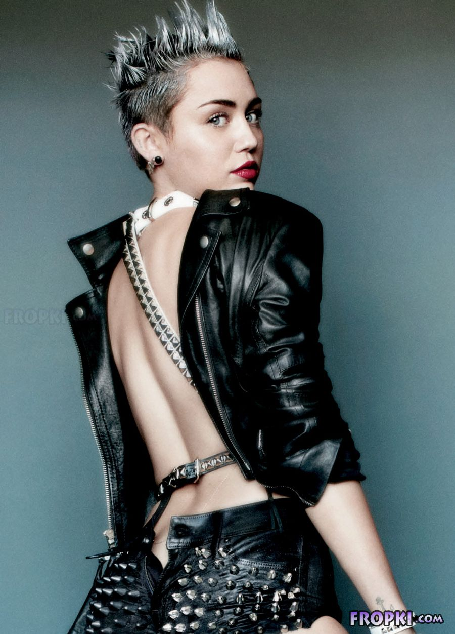 Miley Cyrus shows her naughty side - Page 2 AbmasBx8
