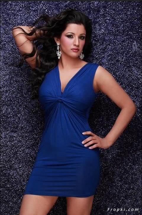 Sara Dhillon Miss India contestant bikini AbnUtTc6