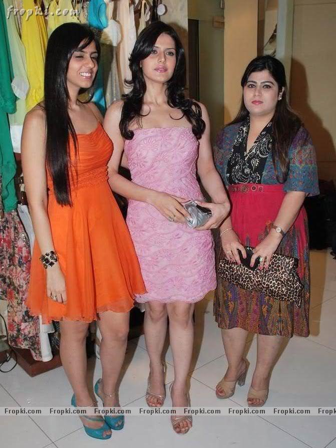 Zarine Khan - Hot Angel in pink Abq6hEiI