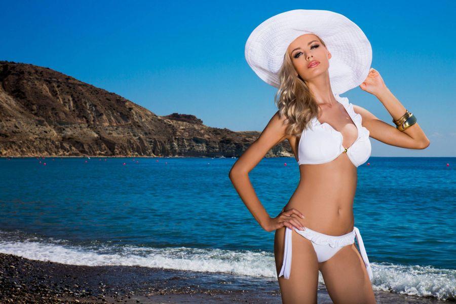 Anna Maria Sobolewska - Lavel Bikini Photoshoot - Page 3 AbruMFAV