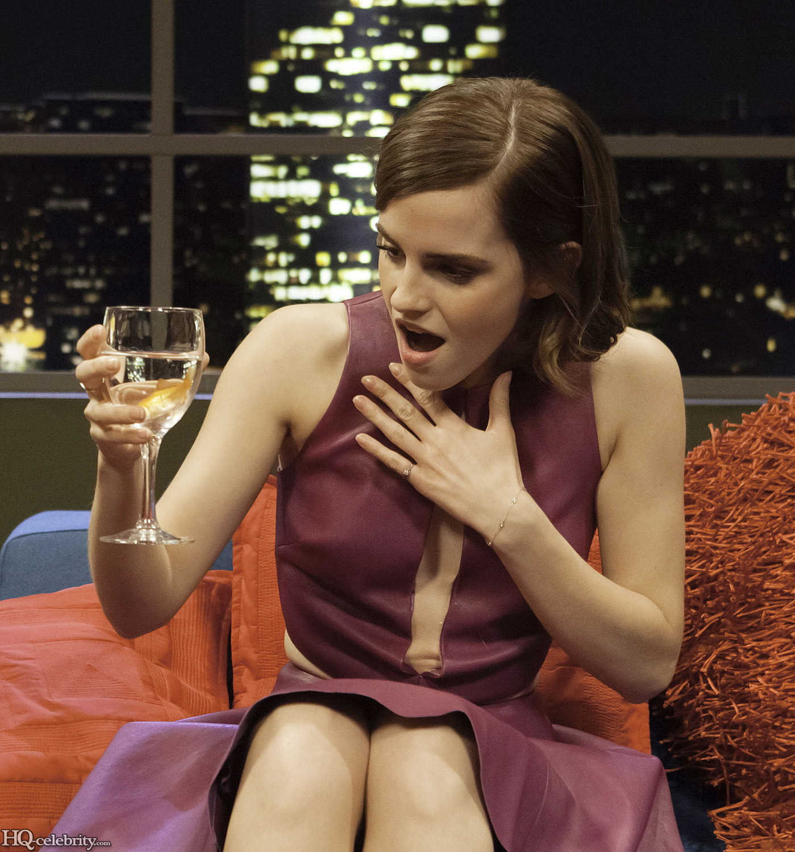 Emma Watson Has A Blast On The Jonathan Ross Show AbxDjKI2