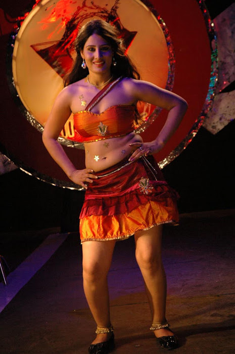 Ajju for Item Song Photo Gallery AbxhNbxM