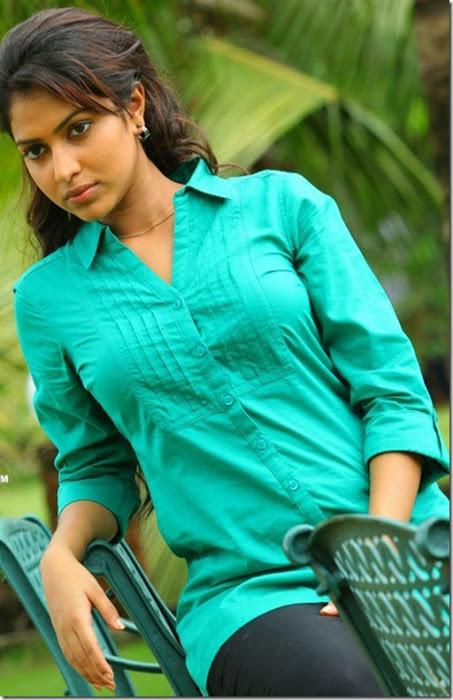 Amala Paul Spicy Unseen Latest Stills AbyHBOEj
