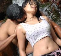 Sneha Ullal Hot Water Scene Acj6vwVW