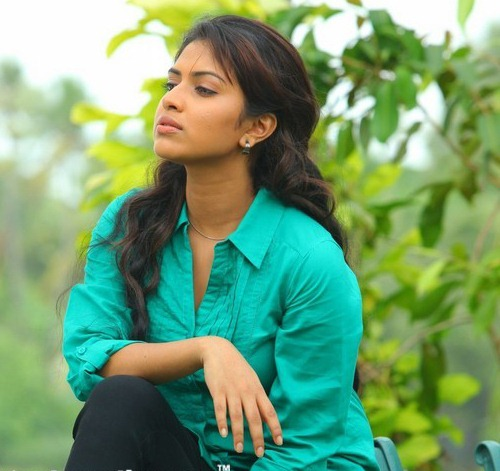 Amala Paul Spicy Unseen Latest Stills AcjmyA9r