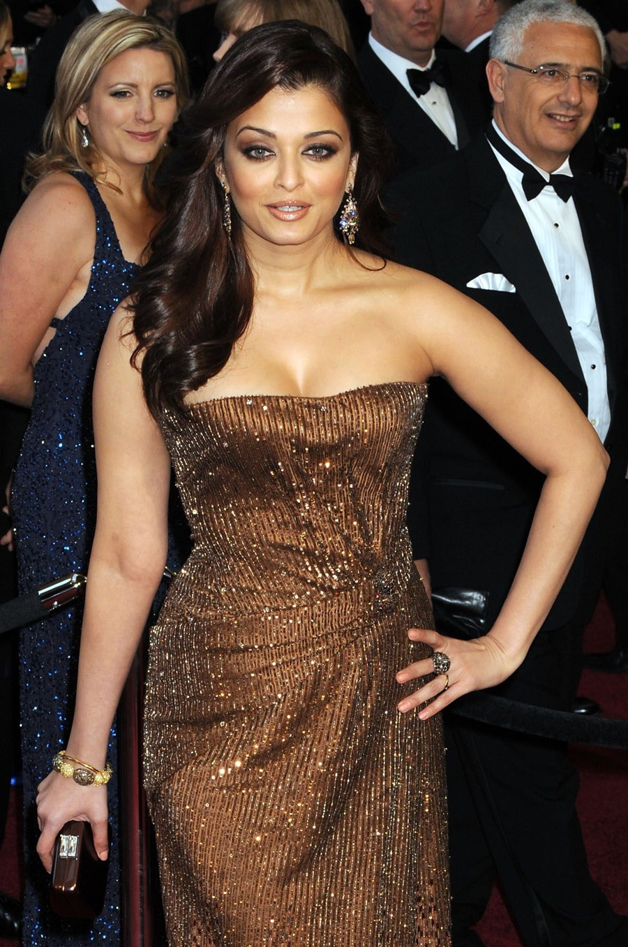 Aishwarya on Red Carpet - Page 2 AcklW9ZK