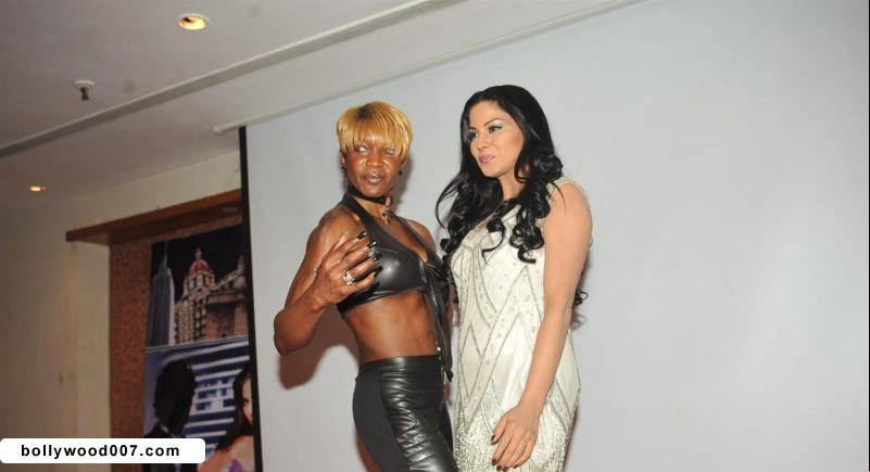 Veena Malik Promoting Film City that Never Sleeps AcqLUjvP