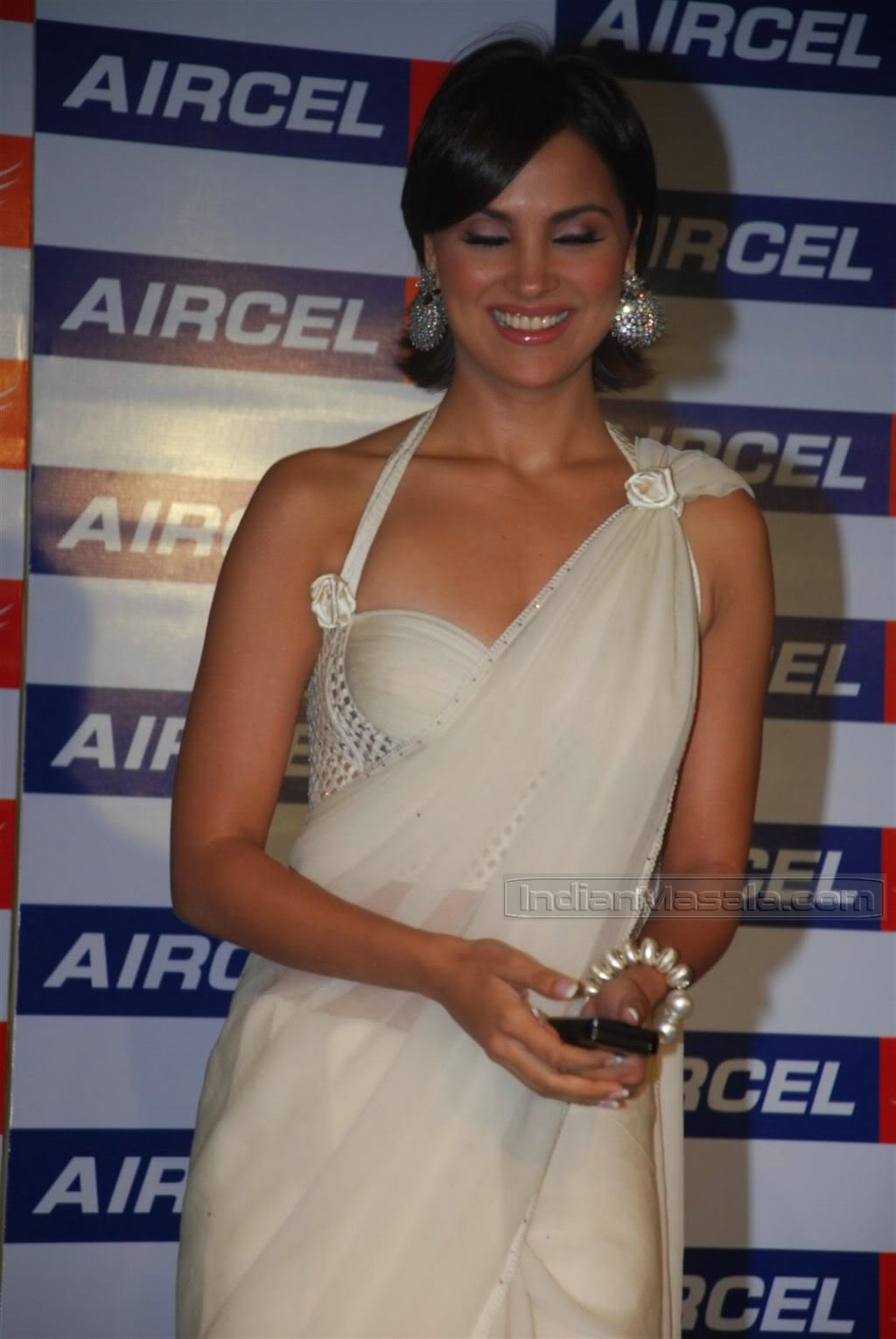 Lara Dutta in transparent saree at Aircel mobile launch AcsRZGfl