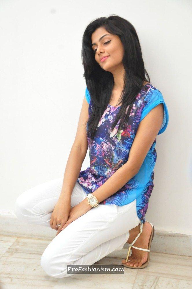 Anisha Ambrose Stills from Areyrey Press meet ActIErFh