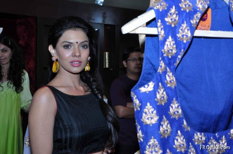 Soonam Modi Launch New Spring Summer Collection (40 Actresses Images) - Page 2 AcvKU7lw