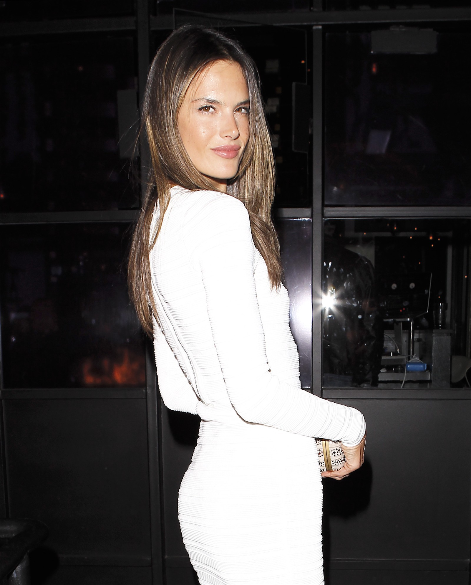 Alessandra Ambrosio Spotted in White Dress in West Hollywood @her B'day AcwC7TyL