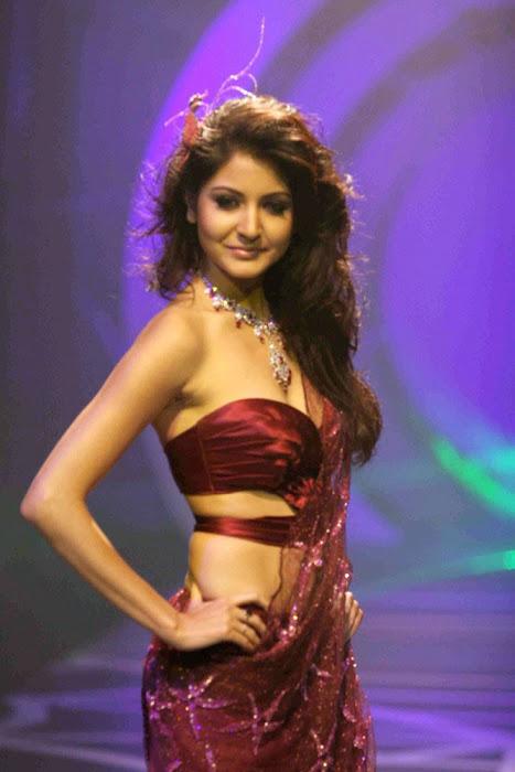 Anushka Sharma Ramp Walk in Red Dress Photo Gallery AcywKrCI