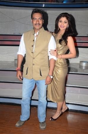 Ajay Devgan & Shilpa Shetty At Nach Baliye 5 Acz7KnY4