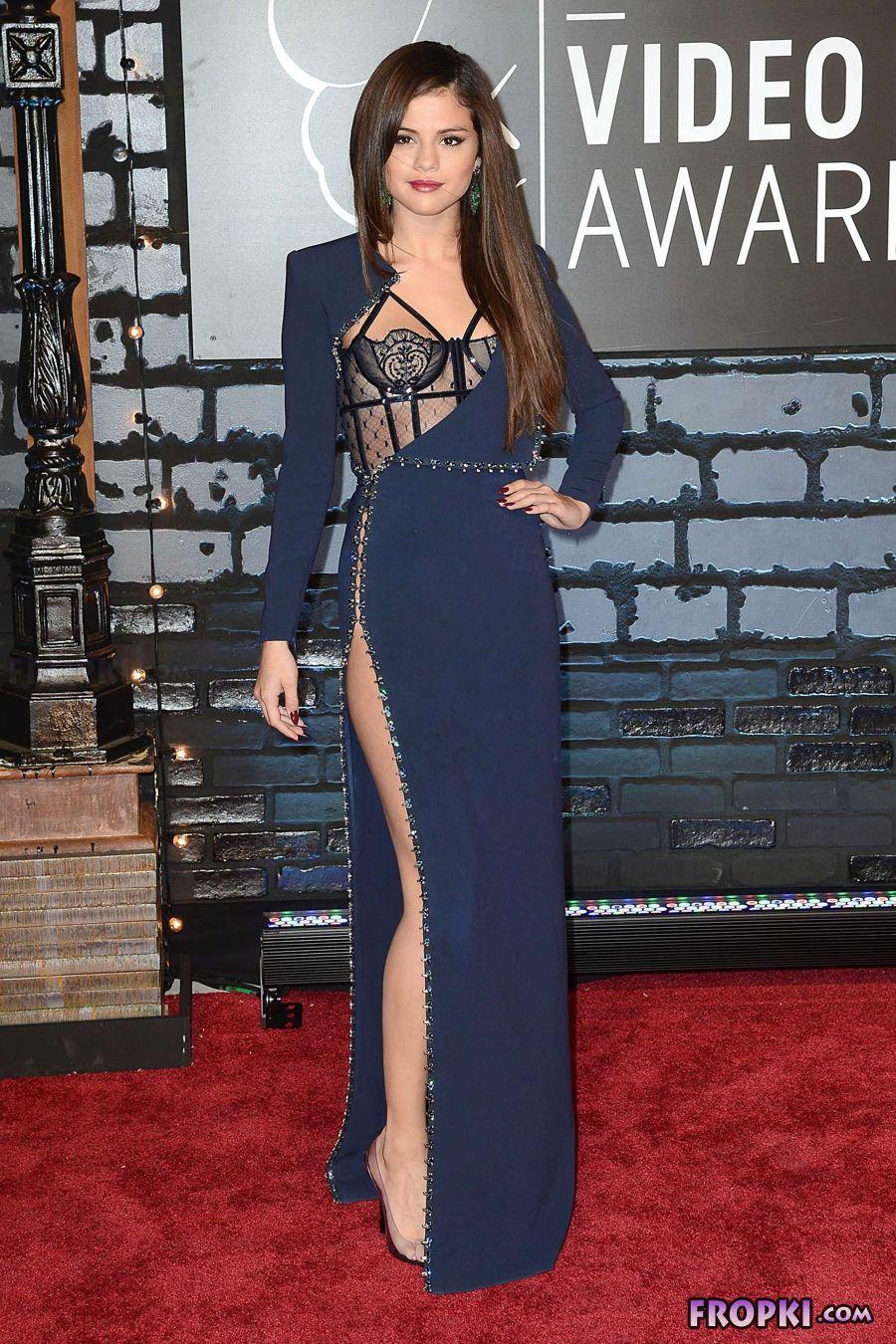 Selena Gomez - 2013 MTV Video Music Awards in NY AdbIls70