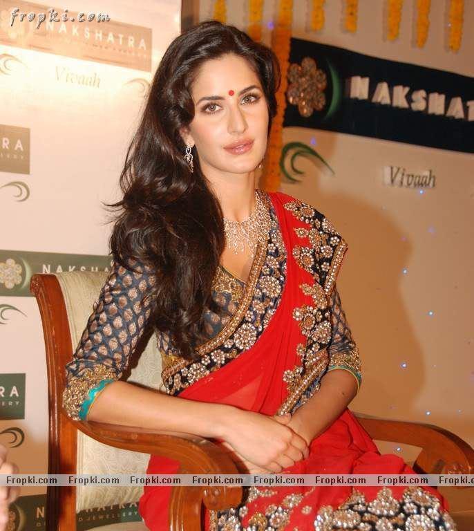 Katrina Kaif sizzling photos in red Saree AdbdsDDe