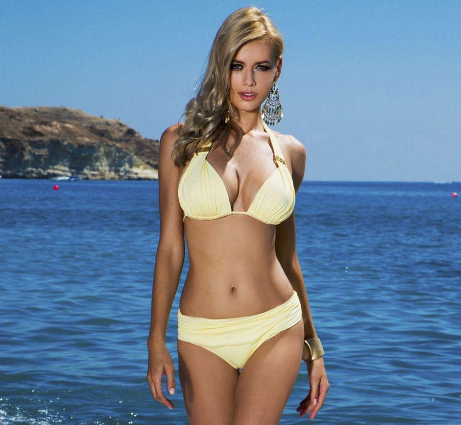 Anna Maria Sobolewska - Lavel Bikini Photoshoot - Page 2 AdlTz4fT